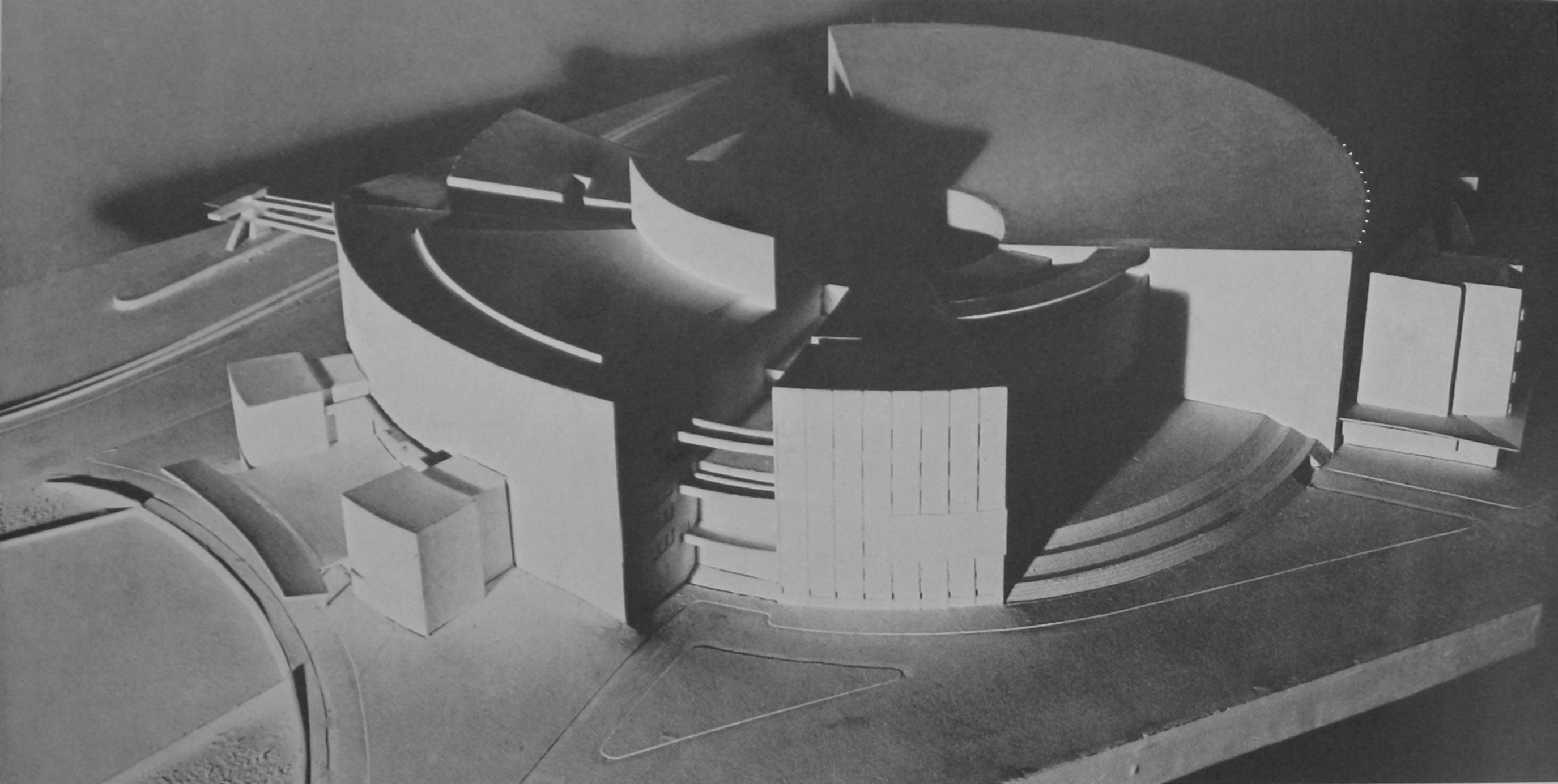 Walter Gropius, model of a proposal for the Palace of the Soviets (1931)