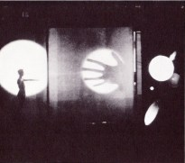 Illustration 8 : Light Play, with projections and translucent effects. Photo by T. Lux Feininger.