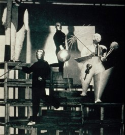 Oskar Schlemmer, Stair Joke: A pantomime. Photo by Erich Consemüller.