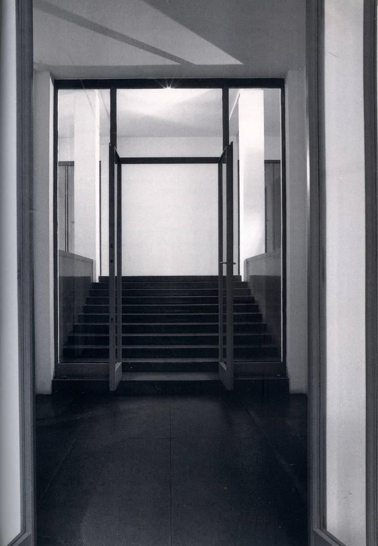 HAUS WITTGENSTEIN. Vista desde el acceso hacia el hall (The Wittgenstein House, Bernhard Leitner, Princeton Architectural Press).