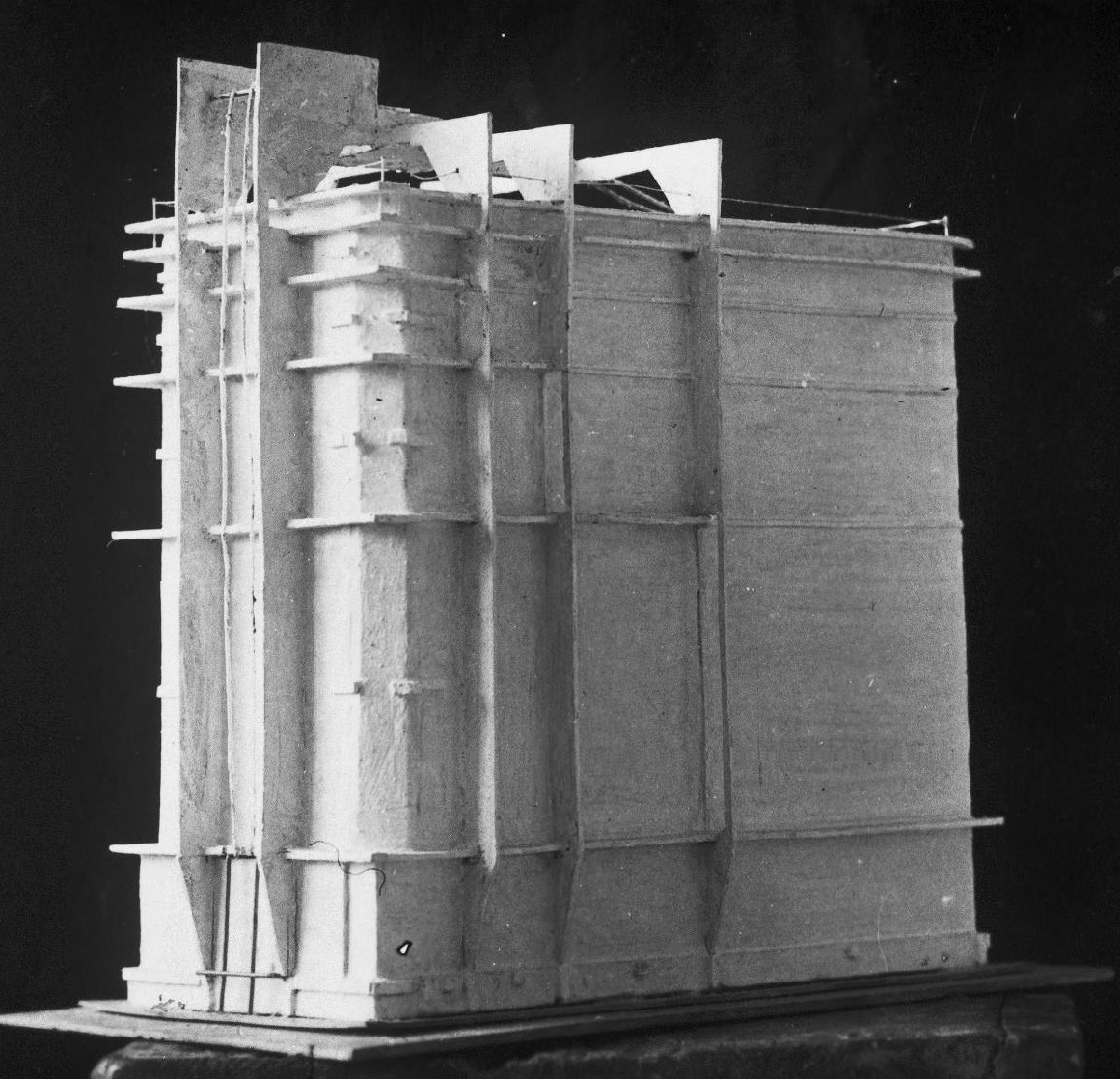 Photograph of a student model on the topic %22Finding the Form of Blunt Massive Volume (Parallelepiped, Cylinder, Complex Configuration)%22 for the %22Space%22 course at the Vkhutemas (Higher State Artistic Technical Studios), Moscow between 1920-1926yt