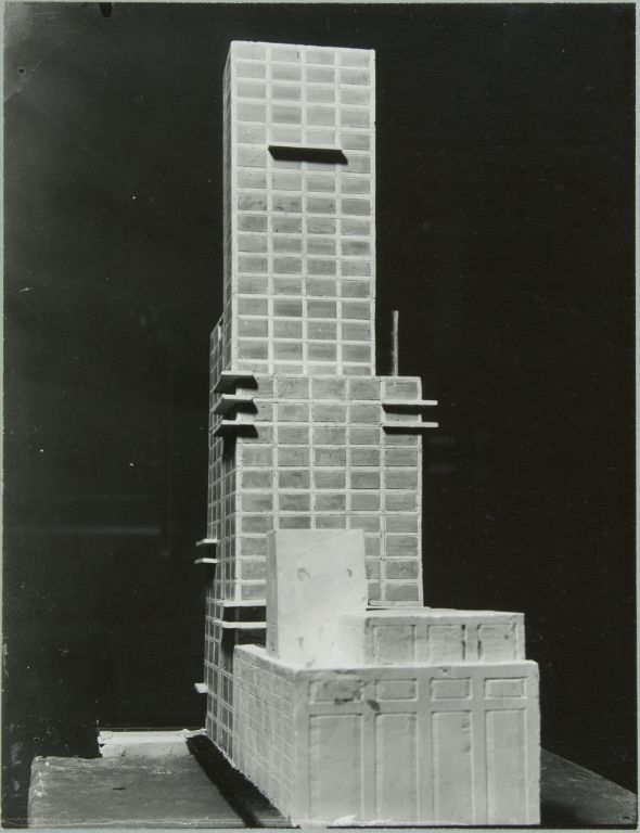 """Walter Gropius and Adolf Meyer: Competition Entry for """"Chicago Tribune"""" Tower (1922). Model, rear view."""