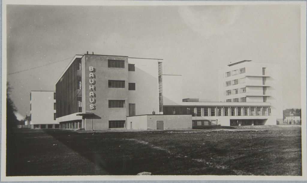Unidentified photographer Bauhaus Building, Dessau, 1925-1926 o