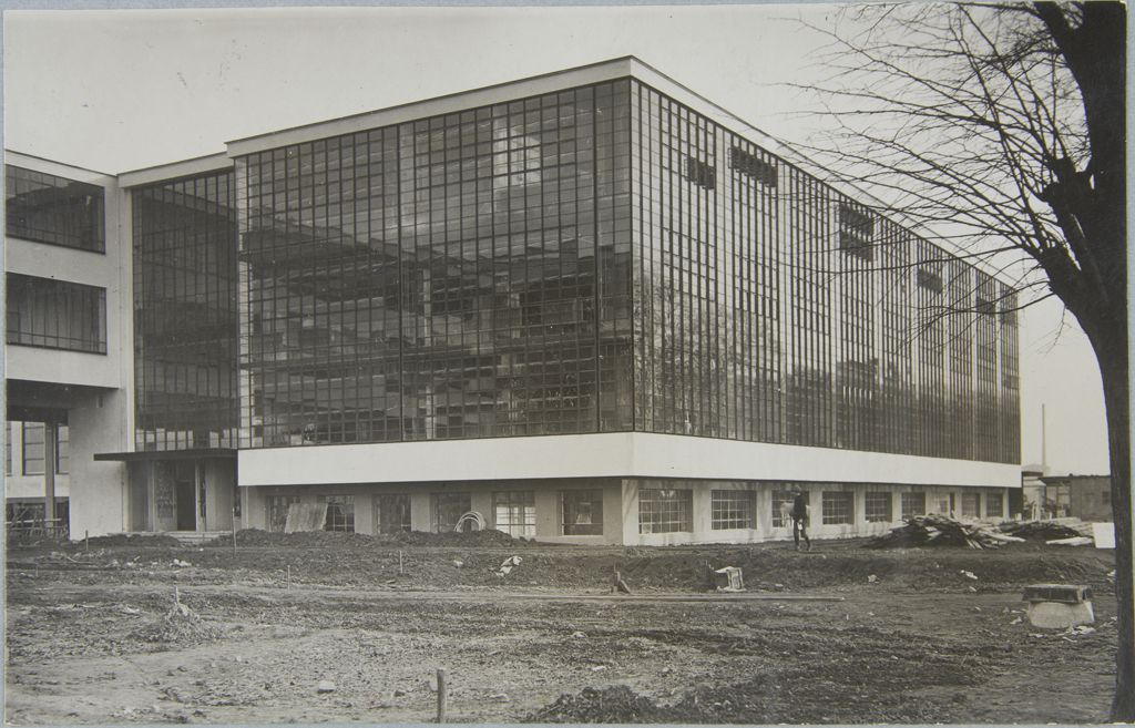 Unidentified photographer Bauhaus Building, Dessau, 1925-1926 u