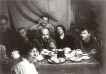 Photo by Aleksandr Rodchenko, left-right, Z Bykov, A Lavinskii, V Stepanova, A Vesnin, Rodchenko's mom, L Popova, N Sobolev 1924a