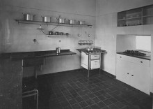 Dr. Lossen & Co. Interior view of a bedroom, Weissenhofsiedlung, Stuttgart, Germany 1927 or later4