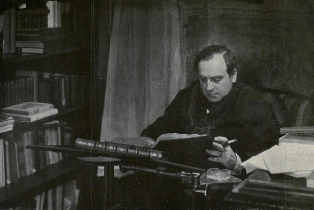 René Fülöp-Miller in his study in Vienna