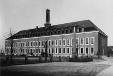 Genossenschaftshaus der Siedlung Freidorf von Hannes Meyer (1924)