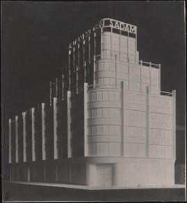 Hans Poelzig _ Max Krajewsky Geschäftshaus S. Adam, Leipziger Straße_ Friedrichstraße, Berlin Perspektivische Ansicht des Modells (1928)