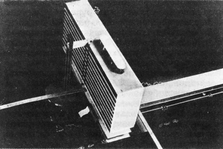 Ivan Leonidov, competition entry for Tsentrosoiuz building in Moscow (1928), model