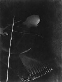 Laszlo Moholy-Nagy (1895 - 1946) Sans titre 1925 - 1928 Photomontage, épreuve gélatino-argentique sur papier brillant 23,8 x 17,8 cm