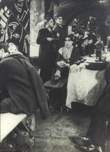 Кадр из фильма «Не для денег родившийся». Маяковский в роли Ивана Нова. Москва. 1918
