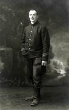 Hendrik de Man in legeruniform tijdens de Eerste Wereldoorlog. 1914-1915
