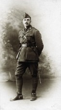 Hendrik de Man in legeruniform tijdens de Eerste Wereldoorlog. 1914-1918