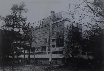 Дом Наркомфина на Новинском бульваре. Архитекторы Гинзбург М.Я., Милинис И.Ф. Фото 1930 года