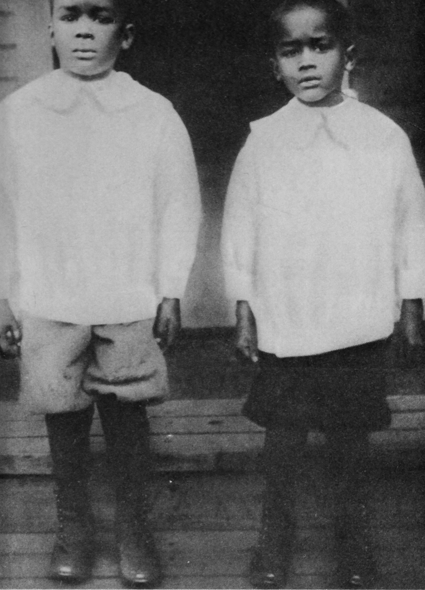 richard-wright-left-and-his-younger-brother-alan-in-1916-when-they-were-living-in-elaine-arkansas