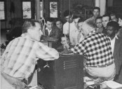 reich-explaining-the-functioning-of-the-orgone-motor-during-the-summer-conference-of-1948-at-organon-students-laboratory-at-left-t-p-wolfe