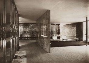 berliner-bild-bericht-deutscher-pavillon-weltausstellung-barcelona-blick-in-den-innenraum