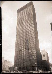 original-caption-1958-new-york-ny-seagram-building-park-ave-and-e-53-st-glass-enclosed-bronze-skyscraper-ludwig-mies-van-der-rohe-with-philip-johnson-architect-1958