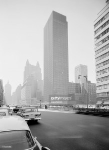 usa-new-york-state-new-york-city-park-avenue-from-53rd-street-showing-the-new-seagrams-building