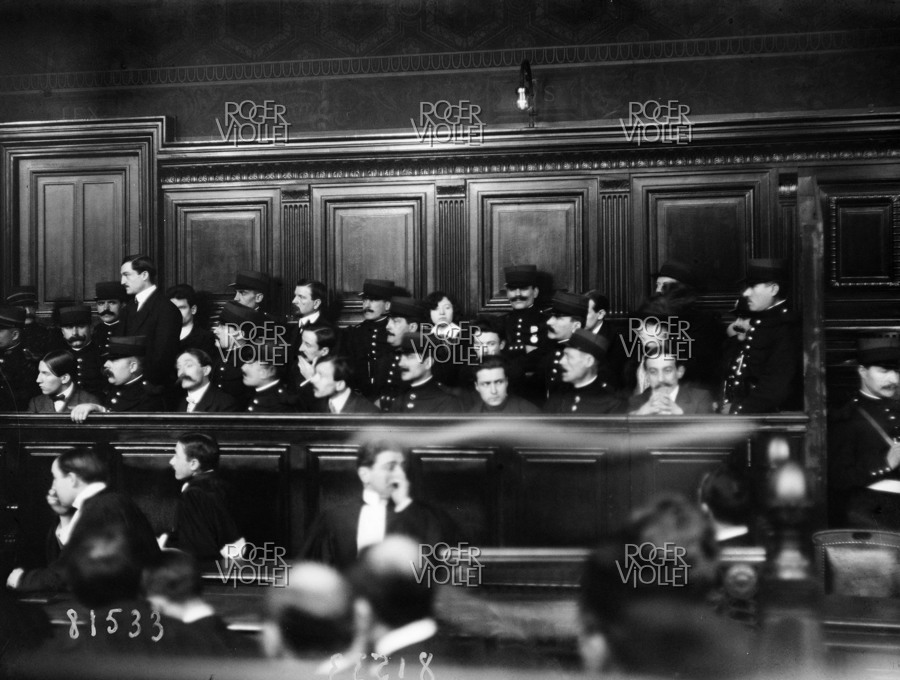 Trial of the Bonnot Gang at the Court of Assizes. Cross-examination of Medge. Kilbatchiche (Victor Serge, second from the right). France, on February 3rd, 1913.