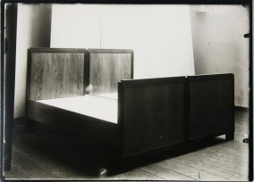 Lucia Moholy, Beds by Erich Dieckmann Bed (1923-1925)
