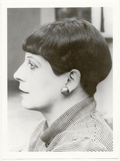 Portrait of Florence Henri, photo- Lucia Moholy, 1927. Bauhaus-Archiv Berlin