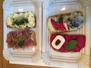 The beet with goat cheese & pickled herring with wasabi mayo were my favorites.