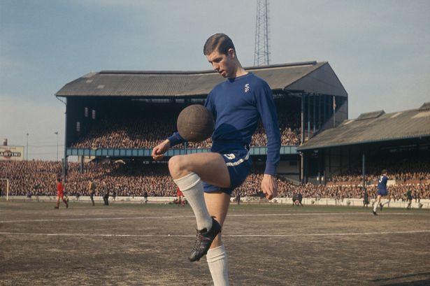 Peter Osgood in action at Stamford Bridge.