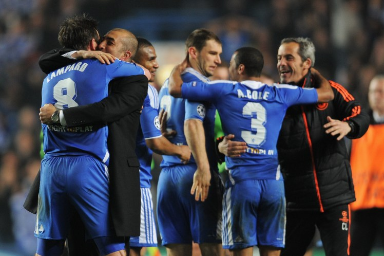 Chelsea's players celebrate their comeback against Napoli.