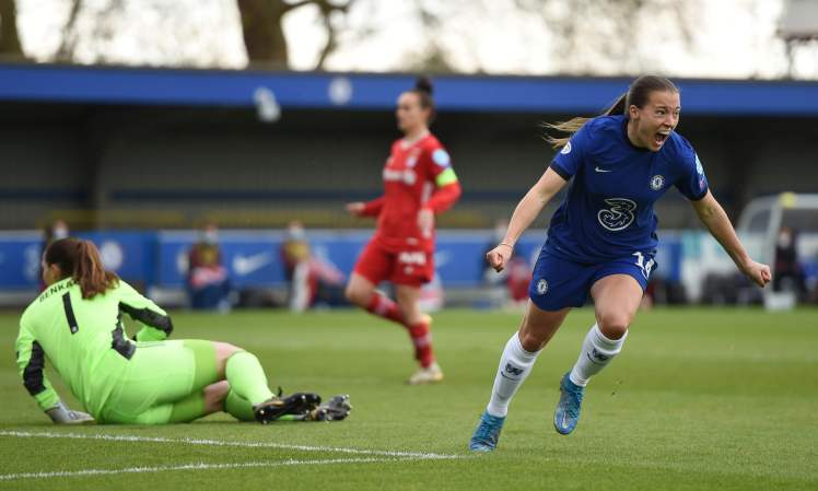 Fran Kirby sends Chelsea to the UEFA Women's Champions League Final.