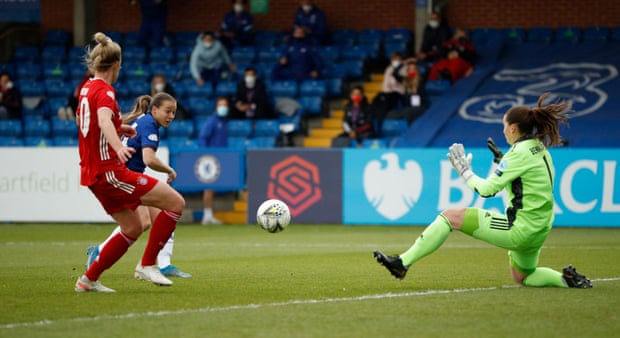 Fran Kirby puts Chelsea on course for the UEFA Women's Champions League Final.