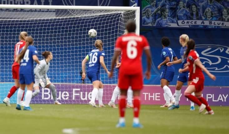 Sarah Zadrazil's wonder goal makes it Chelsea 1-1 Bayern.