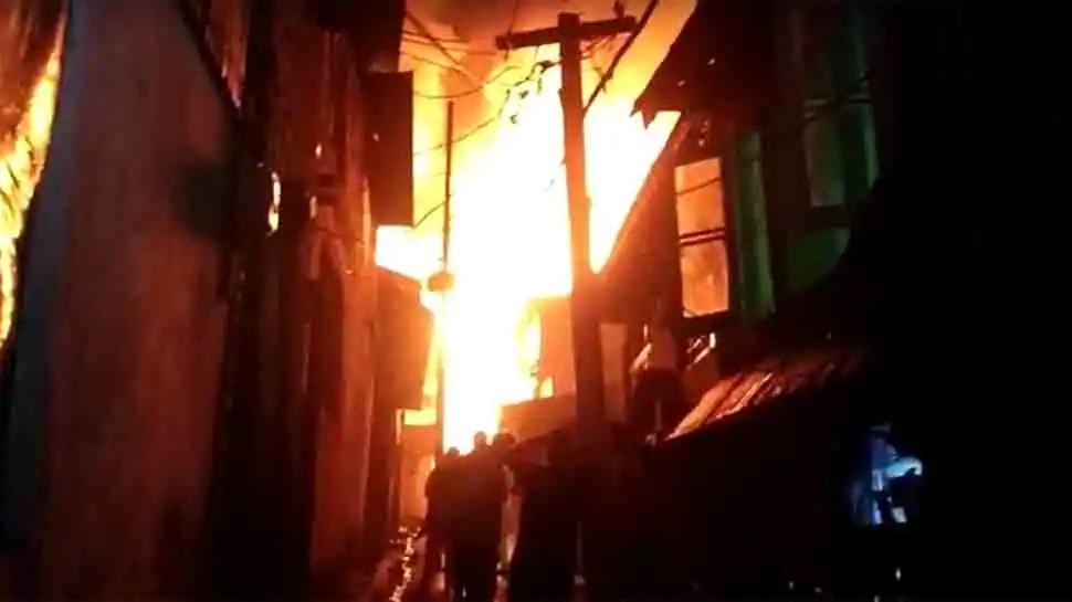 Massive fire breaks out in Noorbagh area in Jammu and Kashmir's Baramulla, houses gutted