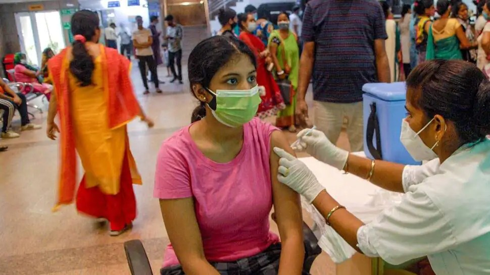 India records 27,176 new COVID-19 infections, less than 50,000 daily cases for 80 consecutive days