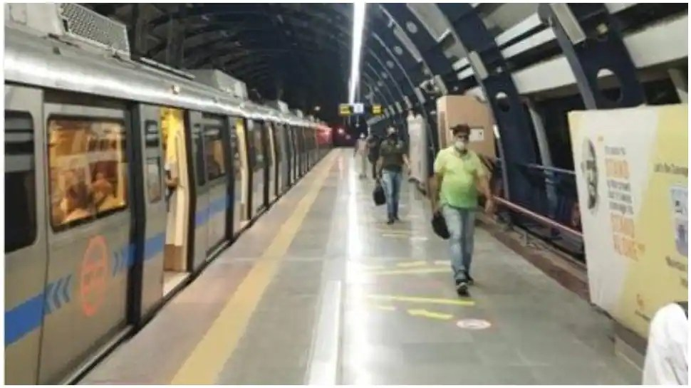 CISF rescues elderly woman who tried to jump in front of metro in East Delhi