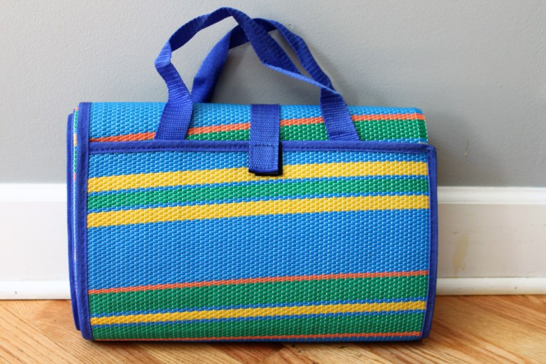 summer essentials for mom and toddler for parks, beach, and pool. Sunscreen, skin and hair products. Best picnic blanket for moms to bring to park and beach