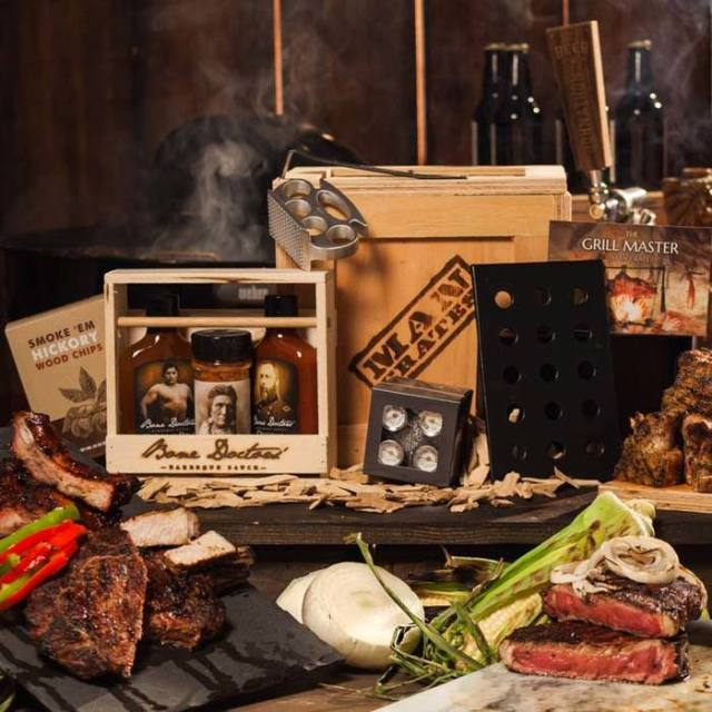 gmc-grill-master-crate-awesome-gift-for-men__77984.jpg