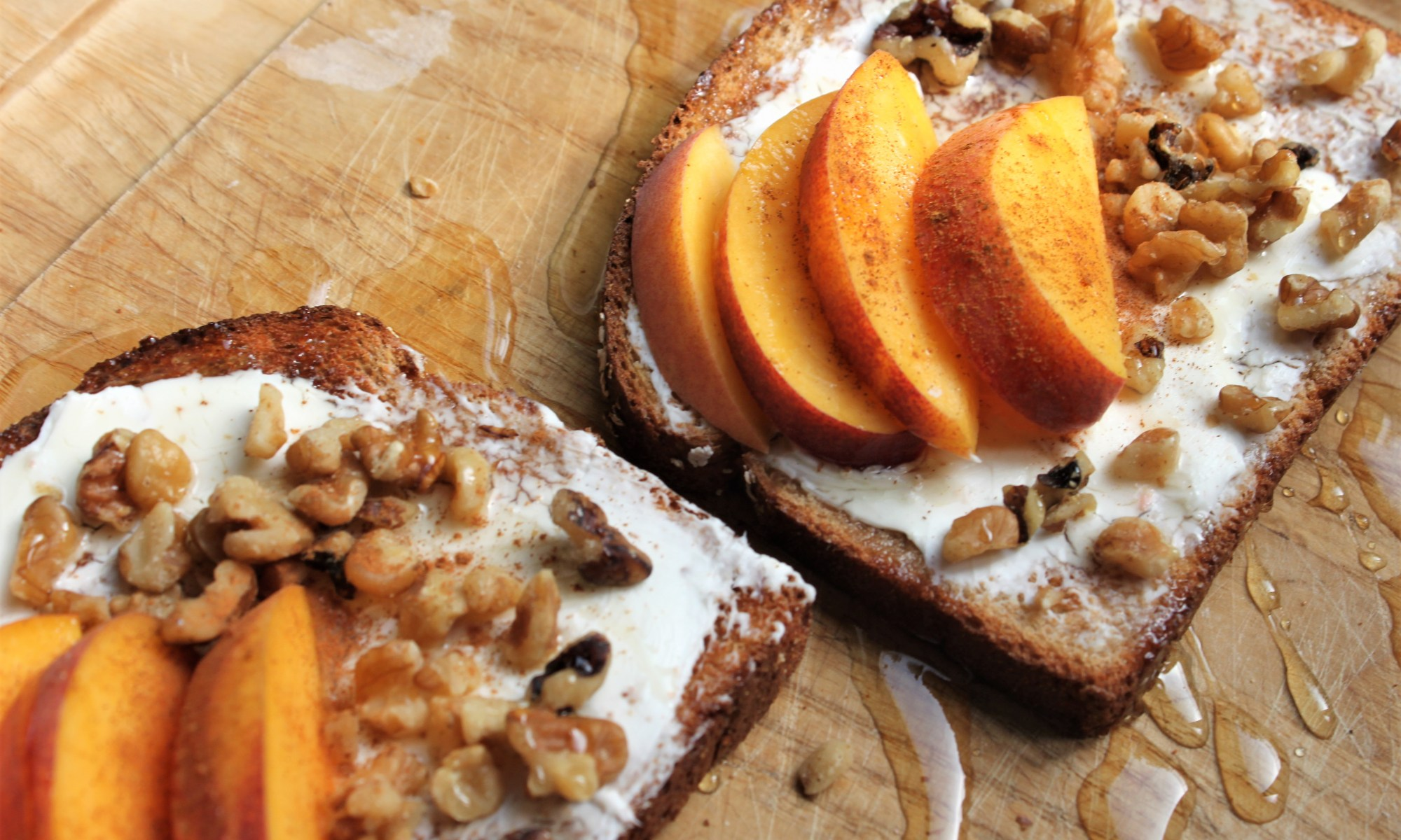 peaches and cream cheese toast is a great breakfast or snack