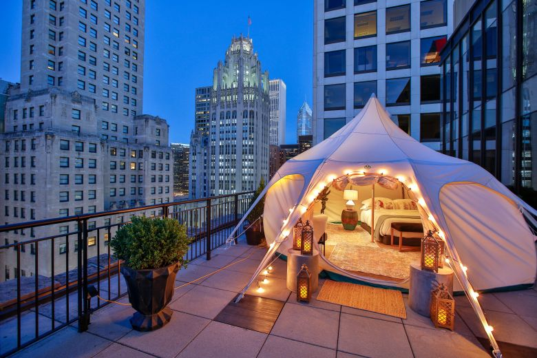Glamping at the Gwen Hotel is a perfect girls night activity on your Chicago Bucket List this fall!