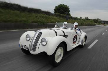 The mighty BMW 328