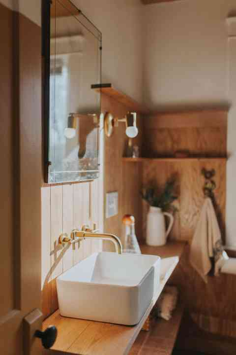 paneling bathroom and conserved space renovation