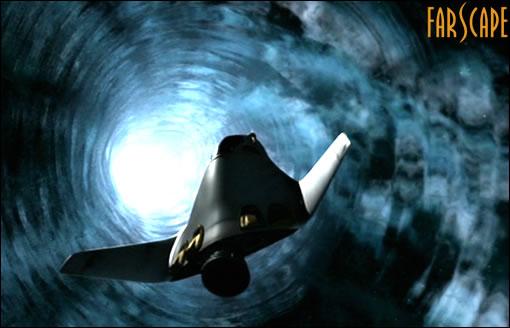 """Le module """"Farscape One"""" de Crichton prit dans un vortex"""