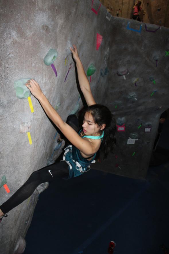 Layla+McDermott+%E2%80%9918+rock+climbing.