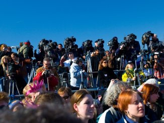 Journalist Stand https://www.flickr.com/photos/glass_window/