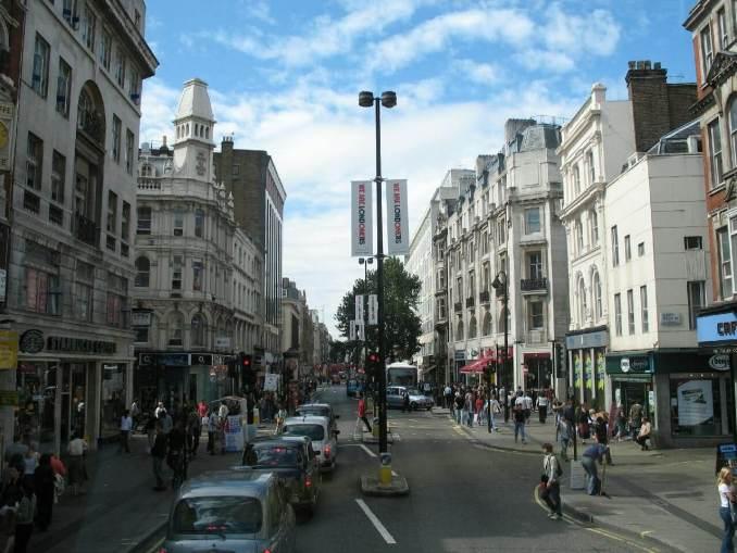 Oxford Street, London. (Photo Credit: netpalantir Via flickr)