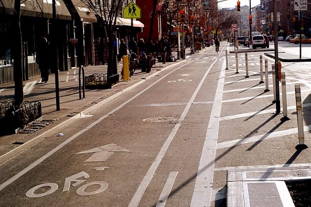 9th-avenue-bike-lane-manhattan-lookingsouth-1122008