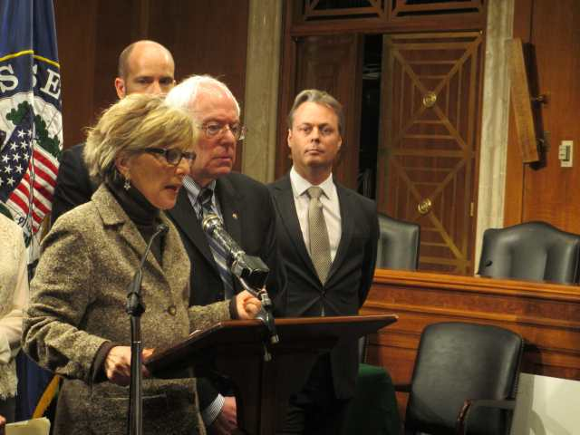 Senators Boxer and Sanders propose The 2013 Climate Protection Act