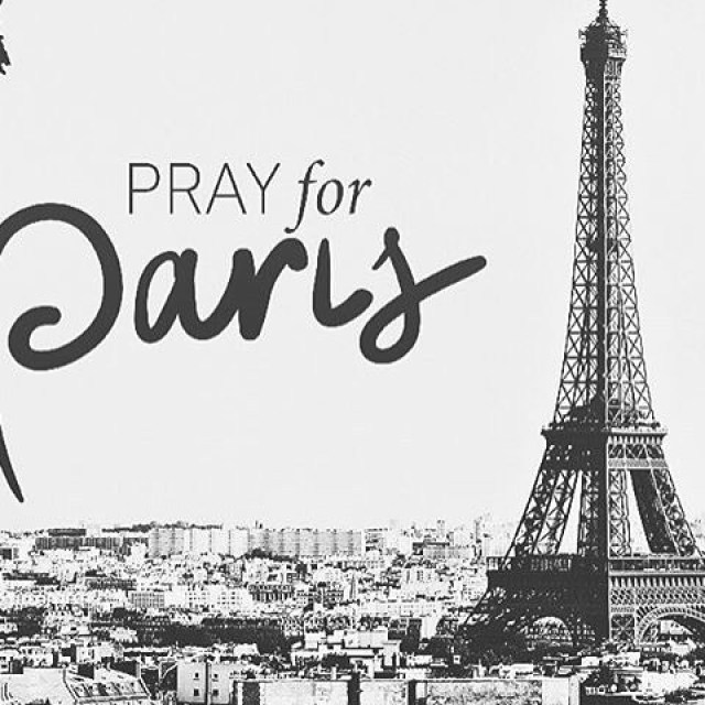 Paris, we stand with you in prayer tonight. #prayforparis #prayforparis🇫🇷 #thecitychurchny