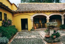 With its colonial hotels and hot thermal springs Paipa is a getaway in the heart of Boyaca.